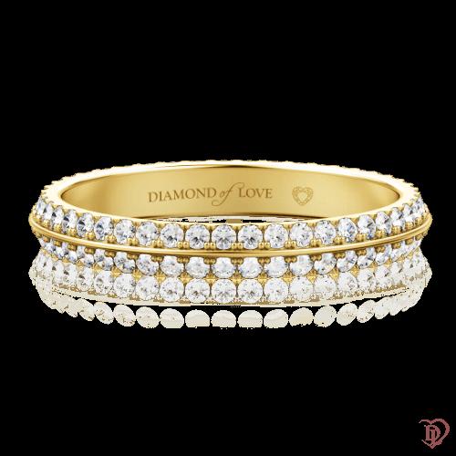 <p>Обручальное кольцо в желтом золоте со вставками: бриллианты</p>  0000094