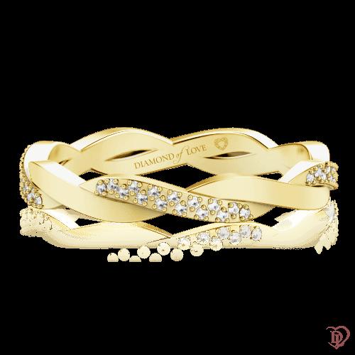 <p>Обручальное кольцо в желтом золоте со вставками: бриллианты</p>  0000594