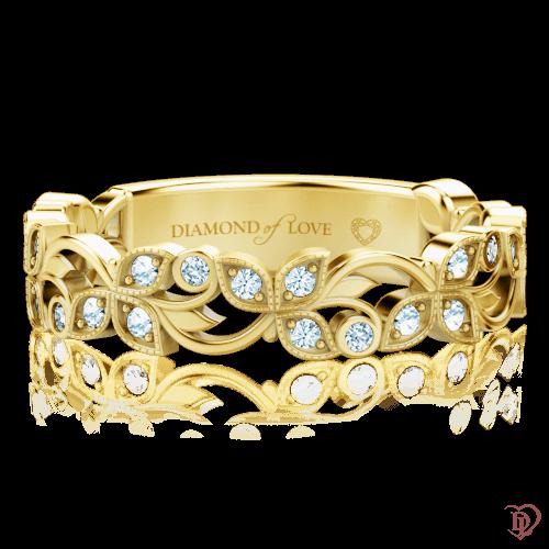 <p>Каблучка в жовтому золоті зі вставками: діаманти</p>  0000774