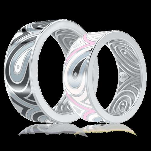 <p>Обручальное кольцо в белом золоте со вставками: эмаль</p>  0003313