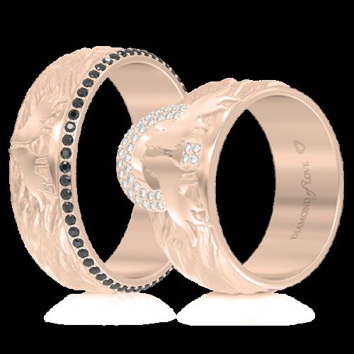<p>Обручка в рожевому золоті зі вставками: діаманти</p>  <p>Обручка в рожевому золоті з колекції Вірність: Сила, доповнена чорними діамантами по всьому колу - непідвладна часу елегантність. Пара вовків, яка розташувалася в центрі чоловічої моделі - уособлення єднання душ, вічної любові і відданості, а також стилістична особливість даної обручки.&nbsp;<br /> Прикраса неодмінно стане талісманом Вашої молодої сім'ї</p>  0013267