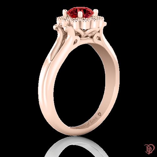 <p>Кольцо в розовом золоте со вставками: рубины, бриллианты</p>  0021987