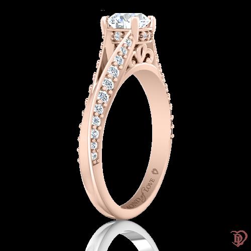 <p>Каблучка в рожевому золоті зі вставками: діаманти, сапфіри</p>  0021997