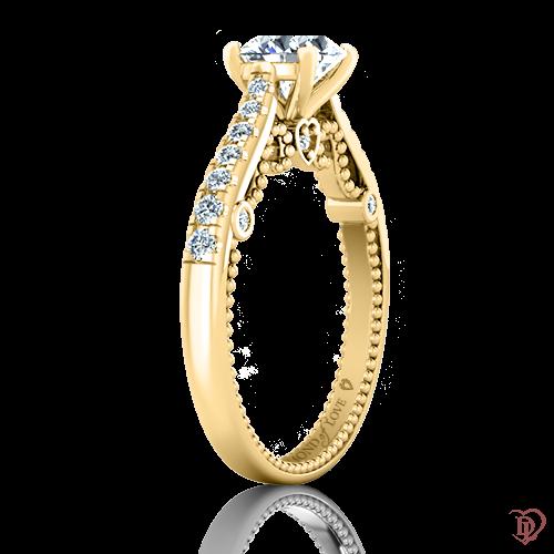 <p>Каблучка в жовтому золоті зі вставками: діаманти</p>  0022004