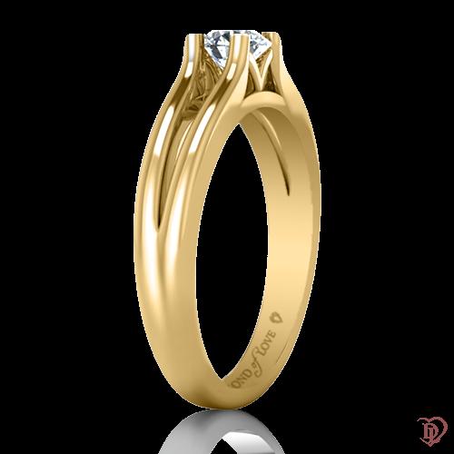 <p>Каблучка в жовтому золоті зі вставками: діаманти</p>  0022084