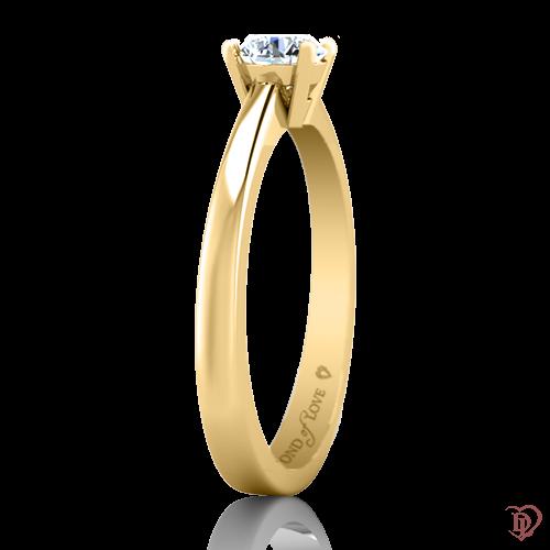 <p>Каблучка в жовтому золоті зі вставками: діаманти</p>  0022094